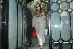 Dimple Kapadia spotted in korner house, bandra on 18th Feb 2018 (9)_5a8a82cc36ad4.JPG