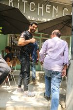 John Abraham spotted at kitchen garden restaurant in bandra, mumbai on 19th Feb 2018 (6)_5a8bcf1fc21cf.JPG