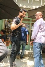 John Abraham spotted at kitchen garden restaurant in bandra, mumbai on 19th Feb 2018 (7)_5a8bcf2181f8c.JPG