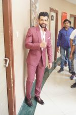 Jay Bhanushali On the Sets Of Super Dancer Chapter 2 on 19th Feb 2018 (151)_5a8bdecb4b965.JPG