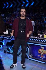 Sunny Singh at the promotion of Sonu Ke Titu Ki Sweety On the Sets Of Super Dancer Chapter 2 on 19th Feb 2018 (228)_5a8bde23a9d2a.JPG