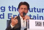 Shahrukh Khan attends the Media shaping the future & entertainment in Magnetic Maharshtra in bkc Mumbai on 20th Feb 2018 (20)_5a8d36033f17a.jpg