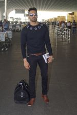 Upen Patel Travelling To Chennai For His Film Shooting on 1st March 2018 (10)_5a97f4baf1c93.JPG