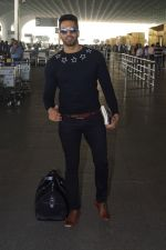Upen Patel Travelling To Chennai For His Film Shooting on 1st March 2018 (12)_5a97f4beab38c.JPG