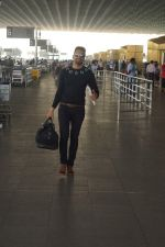 Upen Patel Travelling To Chennai For His Film Shooting on 1st March 2018 (2)_5a97f4a789e3f.JPG