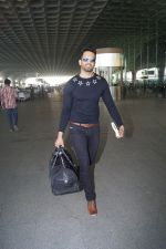 Upen Patel Travelling To Chennai For His Film Shooting on 1st March 2018 (21)_5a97f4d183fde.JPG