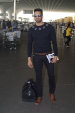 Upen Patel Travelling To Chennai For His Film Shooting on 1st March 2018 (8)_5a97f4b636109.JPG
