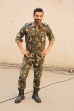 John Abraham during the promotional shoot for the film Parmanu at Mehboob studio, Bandra (16)_5a98359fe260b.JPG