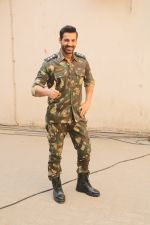 John Abraham during the promotional shoot for the film Parmanu at Mehboob studio, Bandra (18)_5a9835a39fa97.JPG