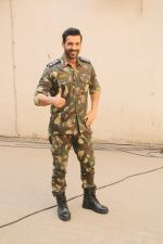 John Abraham during the promotional shoot for the film Parmanu at Mehboob studio, Bandra (19)_5a9835a559263.JPG