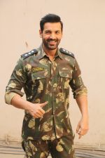 John Abraham during the promotional shoot for the film Parmanu at Mehboob studio, Bandra (20)_5a9835a721a70.JPG