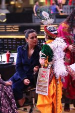 Rani Mukherjee on the sets of Super Dancer Chapter 2 at filmcity in mumbai (2)_5a980a549c7ba.JPG