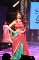 Sandeepa Dhar at Caring With Style Abu Jani Sandeep Khosla & Shaina NC Fashion Show To Raise Funds For Cancer Patient Aid Association (43)_5a9814a028f13.jpg