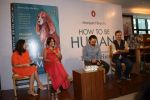 Aamir Khan at the book launch of Manjeet Hirani_s book titled _How to be Human - Life lessons by Buddy Hirani_ in Title Waves, Bandra, Mumbai on 5th March 2018 (25)_5a9e37fe63de2.JPG