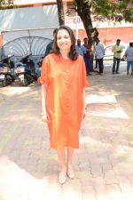 Anupama Chopra at the book launch of Manjeet Hirani_s book titled _How to be Human - Life lessons by Buddy Hirani_ in Title Waves, Bandra, Mumbai on 5th March 2018 (14)_5a9e37d166171.JPG