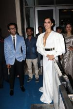 Deepika Padukone at Hello Hall of Fame Awards in st regis in mumbai on 12th March 2018 (103)_5aa773642bfc0.JPG