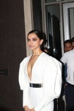 Deepika Padukone at Hello Hall of Fame Awards in st regis in mumbai on 12th March 2018 (95)_5aa77354a4493.JPG