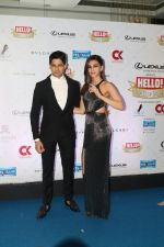 Kriti Sanon, Sidharth Malhotra at Hello Hall of Fame Awards in st regis in mumbai on 12th March 2018 (84)_5aa7740b8e2ff.JPG
