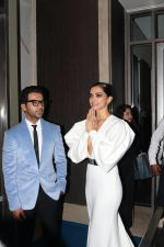 Rajkummar Rao, Deepika Padukone at Hello Hall of Fame Awards in st regis in mumbai on 12th March 2018 (94)_5aa773784d7d7.JPG