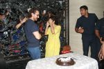 Aamir Khan birthday celebration at his mumbai residence on 14th March 2018 (29)_5aaa0e1739226.JPG