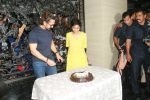 Aamir Khan birthday celebration at his mumbai residence on 14th March 2018 (32)_5aaa0e1c33151.JPG