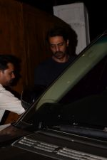 Arjun Rampal Spotted Korner House on 19th March 2018 (10)_5ab0c6e43499f.JPG