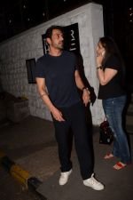 Arjun Rampal Spotted Korner House on 19th March 2018 (7)_5ab0c6df2ebfb.JPG