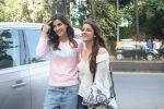 Kriti Sanon And Nupur Sanon Spotted At Juhu For Shoot Of Miss Malini Show on 23rd March 2018 (14)_5ab5ef481fa4b.JPG