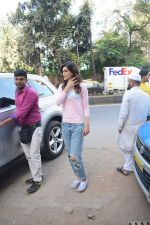 Kriti Sanon spotted At Juhu For Shoot Of Miss Malini Show on 23rd March 2018 (33)_5ab5f01304d61.JPG