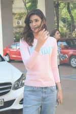 Kriti Sanon spotted At Juhu For Shoot Of Miss Malini Show on 23rd March 2018 (36)_5ab5f01898bdf.JPG