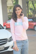Kriti Sanon spotted At Juhu For Shoot Of Miss Malini Show on 23rd March 2018 (39)_5ab5f01ba7c7c.JPG