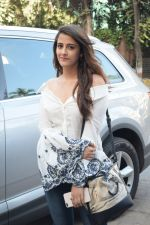 Nupur Sanon Spotted At Juhu For Shoot Of Miss Malini Show on 23rd March 2018 (30)_5ab5ef52c87b9.JPG