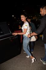 Priyanka Chopra spotted at Yautcha bkc in mumbai on 23rd March 2018 (3)_5abb376849a53.JPG