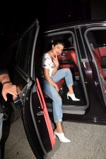 Priyanka Chopra spotted at Yautcha bkc in mumbai on 23rd March 2018 (5)_5abb376e82dac.JPG