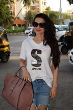 Ameesha Patel spotted at kromakay salon in juhu, mumbai on 29th March 2018 (5)_5abde2069a84f.JPG