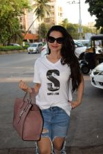 Ameesha Patel spotted at kromakay salon in juhu, mumbai on 29th March 2018 (9)_5abde20dc5088.JPG