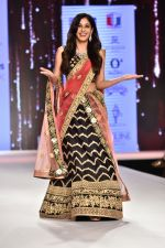 Pooja Chopra Showstopper For Designer Shaina N.C At Bombay Times Fashion Week on 30th March 2018 (57)_5abf42700766c.JPG