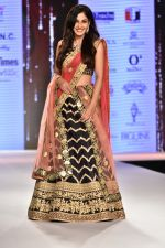 Pooja Chopra Showstopper For Designer Shaina N.C At Bombay Times Fashion Week on 30th March 2018 (60)_5abf42798a315.JPG