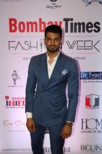 Upen Patel at Bombay Times Fashion Week in Mumbai on 30th March 2018  (10)_5abf42f76e06b.jpg