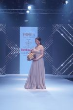 Anita Hassanandani Showstopper For Designer Asif Merchant (Horra) At Bombay Times Fashion Week on 1st April 2018 (14)_5ac24338235bf.JPG
