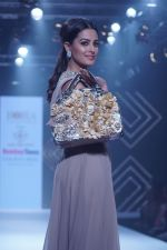 Anita Hassanandani Showstopper For Designer Asif Merchant (Horra) At Bombay Times Fashion Week on 1st April 2018 (25)_5ac2434b4c5b5.JPG