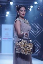 Anita Hassanandani Showstopper For Designer Asif Merchant (Horra) At Bombay Times Fashion Week on 1st April 2018 (26)_5ac2434d5b7ad.JPG