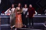 Lara Dutta, Farah Khan, Ahmed Khan On location of High Fever Dance na naya Tevar at filmcity in mumbai on 1st April 2018 (23)_5ac2398050cc2.jpg