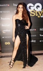 Surveen Chawla at GQ Style Awards 2018 at Taj Lands End bandra , mumbai on 31st March 2018 (20)_5ac23d44e876c.JPG