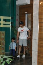 Tusshar Kapoor with son Lakshya spotted at gym in bandra on 4th April 2018 (2)_5ac5cf1f90d35.JPG