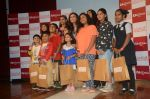 __Rani Mukherjee felicitates the winners of the Camlin-Hichki contest with Camlin gift Hampers as well as promoting her new movie Hichki with a special meet _and_ greet with _k_ids at Kidzania, R city mall on 4th April  ( (9)_5ac5ceb8f242d.JPG