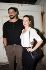 Arunoday Singh at the Screening Of Movie Black Mail At Sunny Super Sound on 6th April 2018 (14)_5ac9a2cabeeab.JPG