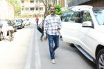 Nagraj Majule spotted at Aamir Khan_s house in bandra on 7th April 2018 (6)_5ac9ac8140f93.JPG
