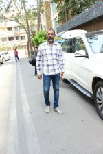 Nagraj Majule spotted at Aamir Khan_s house in bandra on 7th April 2018 (7)_5ac9ac82e594d.JPG