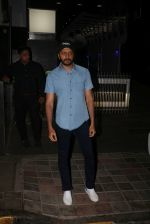Riteish Deshmukh Spotted At A Restaurant In Bandra on 6th April 2018 (4)_5ac9a7804c59a.jpg